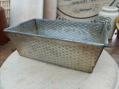 Vintage Loaf Cake Tin Textured - Kaizer – Shabby Kitchenalia!
