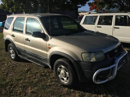 2002 Ford Escape SUV 4X4 Wagon -- BACKPACKER SPECIAL