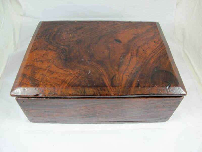 AUSTRALIAN PRIMITIVE FIGURED CEDAR BOX C1890