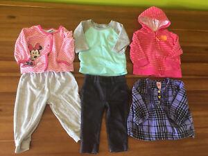 Lot vêtements bébé fille 9 à 12 mois.