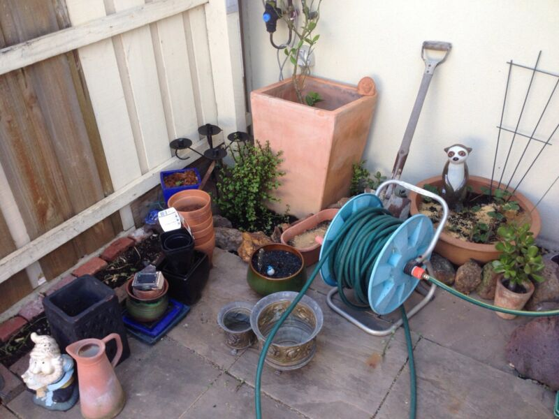Second hand garden pots ornaments etc pots garden beds second hand garden pots ornaments etc jacana hume area image 2 1 of 3 workwithnaturefo