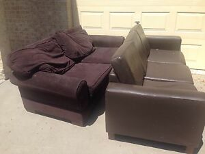 Free Lounges Oxley Park Penrith Area Preview