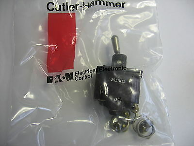 Cutler Hammer 8511k11 Momentary Toggle Switch Dpst Acdc Caterpillar 8t-9637