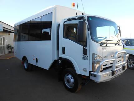 4WD Isuzu NPS 18 Seat Bus Karratha Industrial Estate Roebourne Area Preview