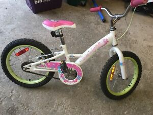 Girls 16in bmx bike