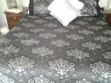KIng sized black pattern quilt cover set Greenwith Tea Tree Gully Area Preview