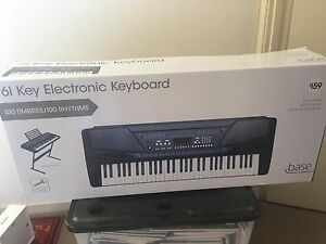 61 key electronic keyboard brand new in box rep $159 Kings Park Blacktown Area Preview