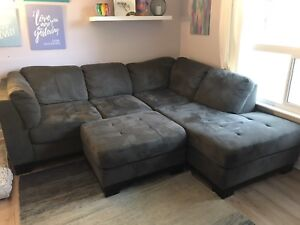Sectional sofa - MINT condition