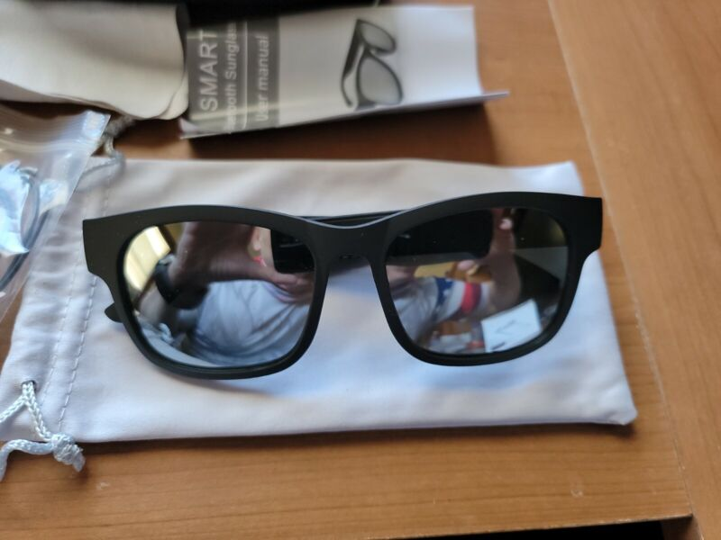 Smart Glasses bluetooth Headphone Headset Sunglasses (BNWB) (Excellent Glasses)