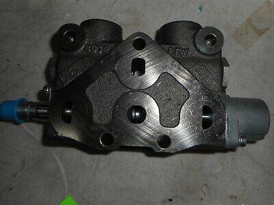 70020-00898 Genuine Oem Kubota Hydraulic Section Valve L4510 Free Shipping