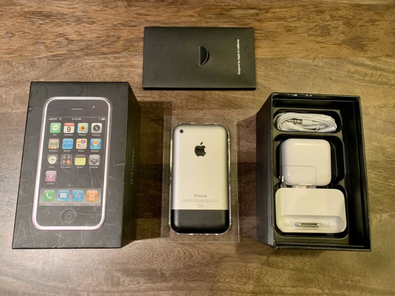 📱Apple iPhone 1st Generation - 16GB (AT&T) A1203 Mint Condition - Complete Set!