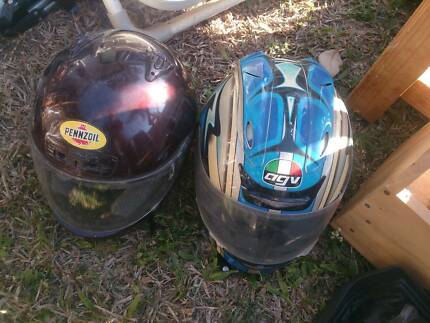 2x Motorbike helmets Kelso Townsville Surrounds Preview