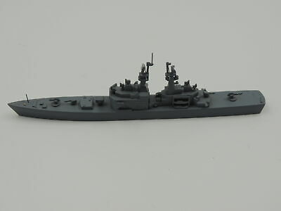 1:1250 Metal Ship Model Delphin D 140 California Missile Cruiser