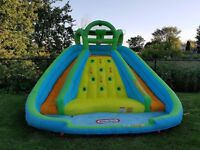 Inflatable bouncer to rent