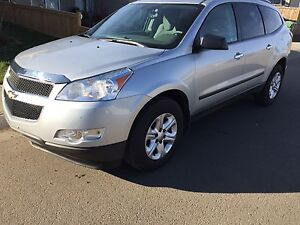 $9900 chevy traverse 2011 All Wheel Drive