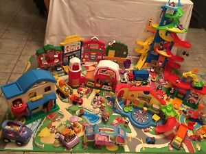 Fisher-Price / Village Little People