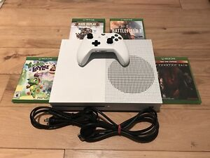 500GB Xbox One S with 5 Games and all necessary cables