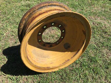 Grader wheels