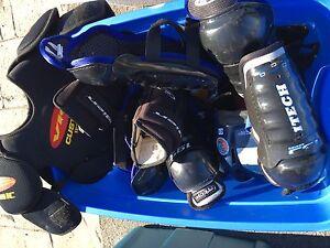 2 équipements hockey enfant