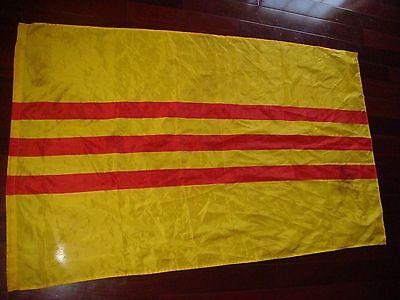 VIETNAM WAR ARVN SOUTH VIETNAMESE ARMY LARGE FLAG *USED*