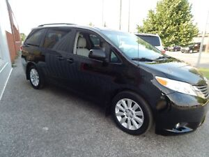 2011 Toyota Sienna XLE LEATHER SUNROOF DVD DRIVER SIDE