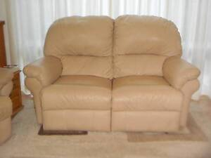 Two seater Leather Recliner Lounge Ashmore Gold Coast City Preview