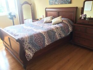 Queen bedroom set cherry