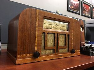 Antique Philco Table Top Radio-For Decor