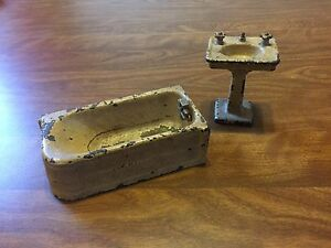 Vintage Cast bathtub and sink by Arcade MFG