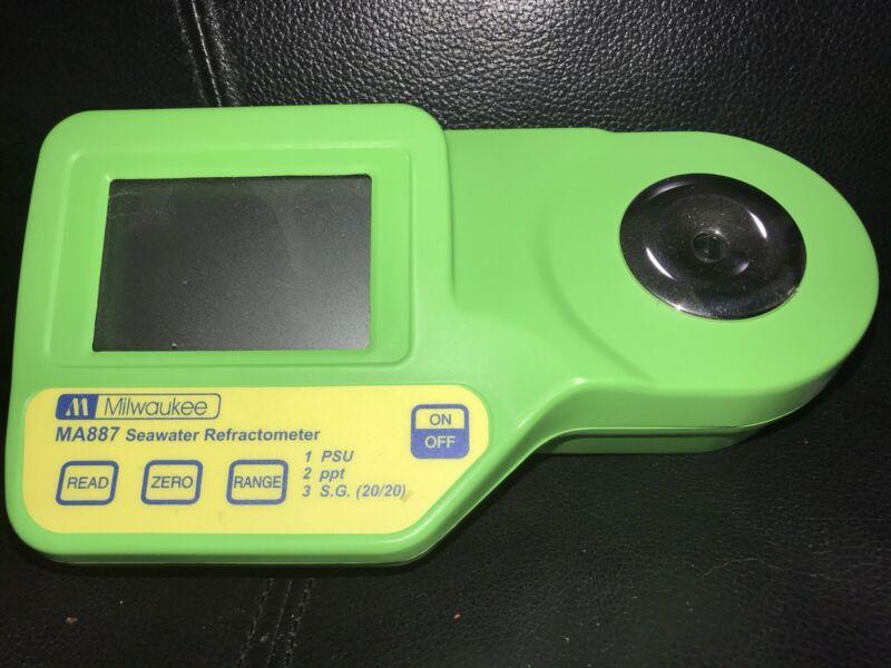MILWAUKEE Digital Refractometer for Seawater - MA887