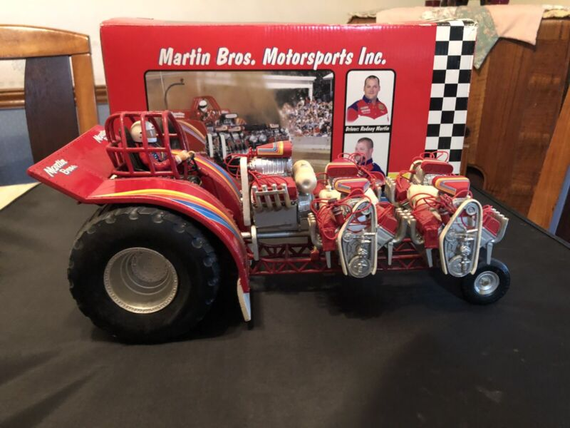SPECCAST 1/16 MARTIN BROTHERS UNLIMITED MODIFIED PULLING TRACTOR