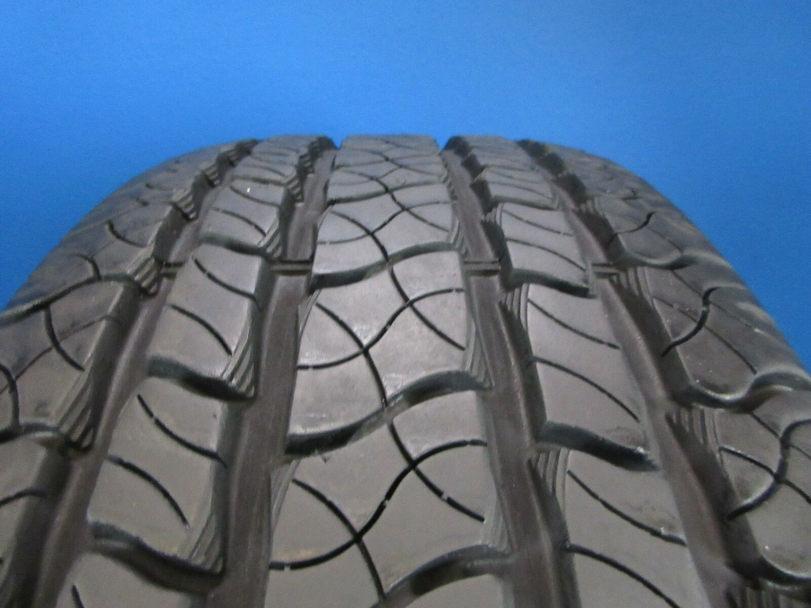 One Used Cooper Discoverer CTS   245 60 18  10/32 High Tread   D2524
