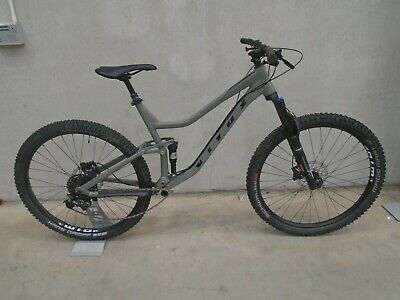 Vitus Mythique 29 VR Mountain Bike (2021) - X-LARGE - NARDO GREY