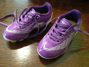 Lotto soccer shoes size 8 toddler