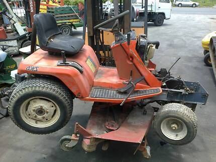 kubota G1800 diesel ride on mower used parts from