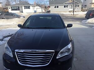 2014 Chrysler 200 (black) 4  Cylinder for sale