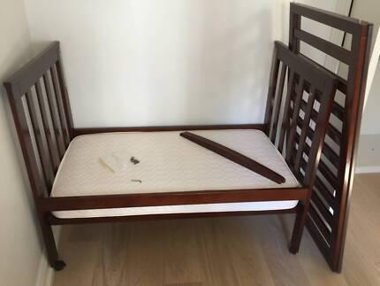 Sussex Universal Cot Bed W Mattress Bedding
