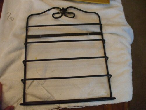 Longaberger Foundry Wrought Iron Magazine/towel Rack Pre-owned MINT