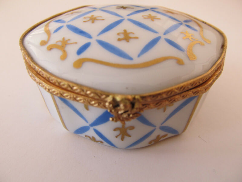 Vintage Eximious Limoges France Decor Main Ornate Trinket Box