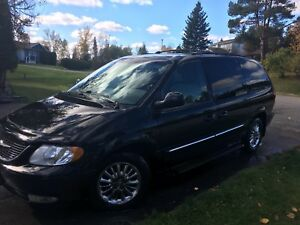 Luxury Town & Country AWD - Reduced to $4000!