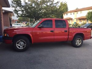 2004 Dodge Dakota with Crew Cab