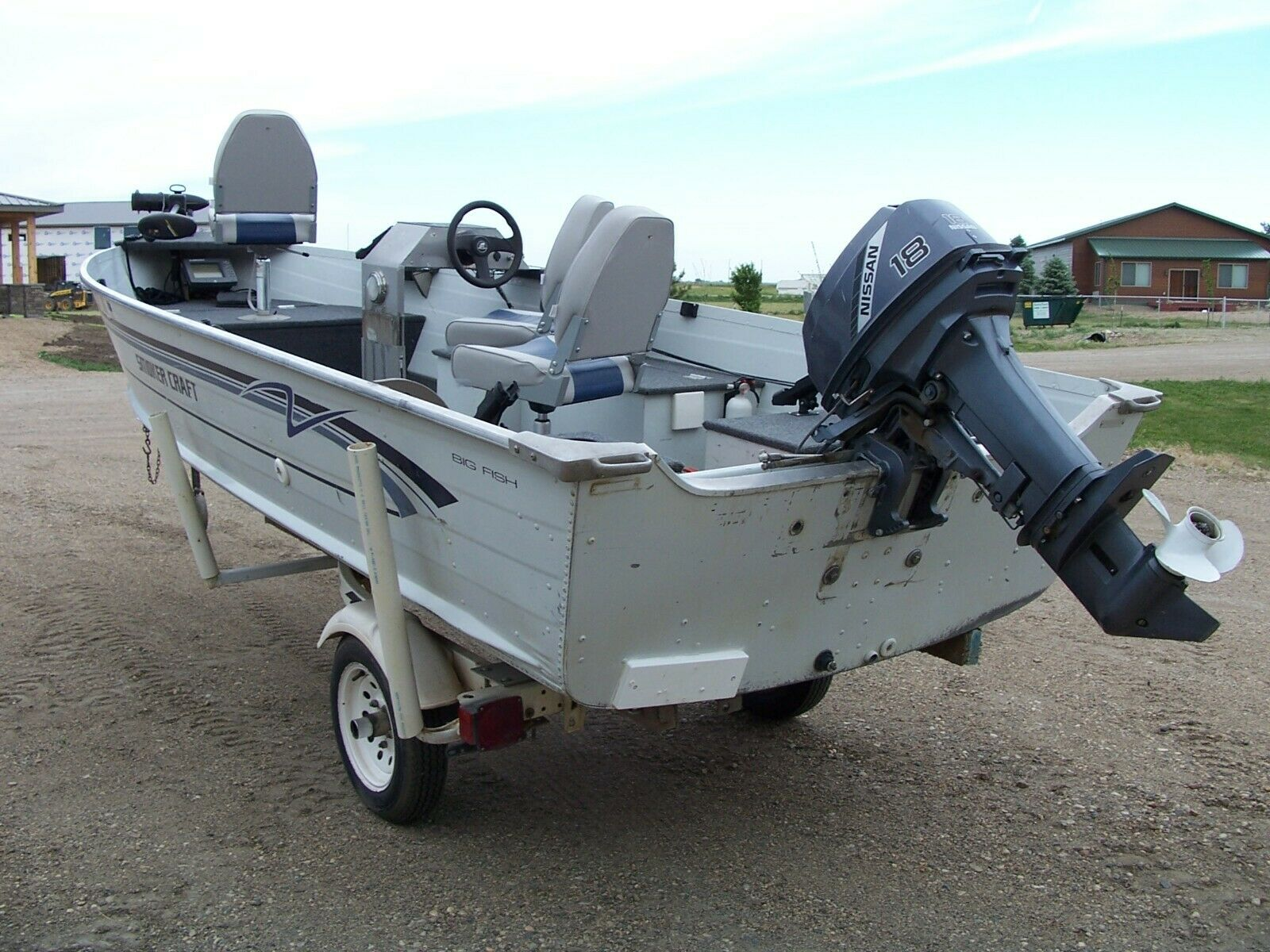 1997 Smoker Craft 16' Fishing Boat