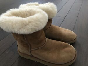 Uggs size 35