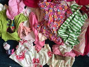 Lot of 20-30 baby girl clothes 0-6m