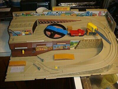 Vintage 1983 Hot Wheels Railroad Freight Yard Play Set Sto-n-Go