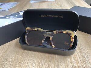 25dfdbf21a8f Alexander McQueen Sunglasses new like Karen walker