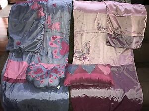 2 x Single quilt cover sets and 2 x cushions Redcliffe Belmont Area Preview
