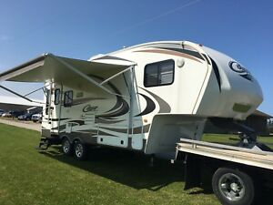 2013 KEYSTONE COUGAR 244RLSWE FIFTH WHEEL REAR LIVING WSLIDE OUT