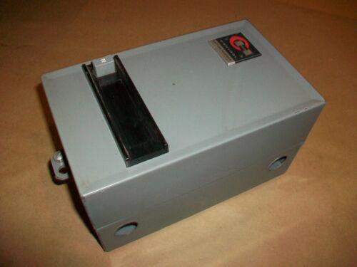 Cutler Hammer Enclosed Motor Starter A10AG0   Nema Size 00