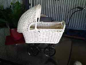 VINTAGE CANE DOLLS PRAM......... RESTORED. ............. Temora Temora Area Preview